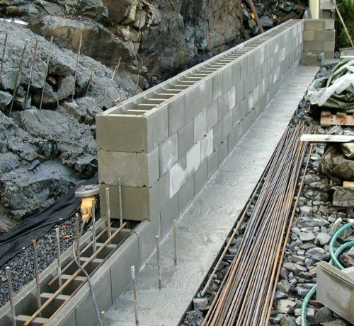 Støpe støttemur